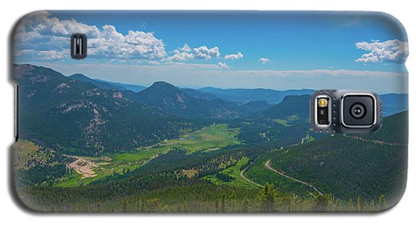 Galaxy S5 Case featuring the photograph Horseshoe Park From Rainbow Curve 1 by Tom Potter
