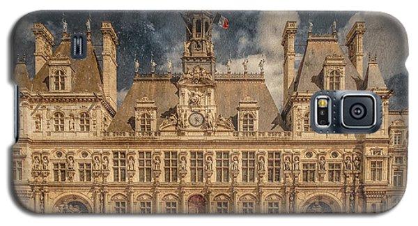 Galaxy S5 Case featuring the photograph Paris, France - Hotel De Ville by Mark Forte