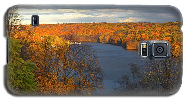 Galaxy S5 Case featuring the photograph Housatonic In Autumn by Karol Livote