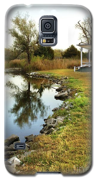 House By The Edge Of The Lake Galaxy S5 Case by Jill Battaglia