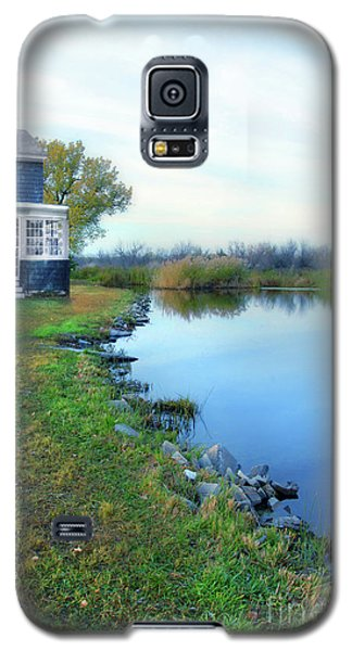 Galaxy S5 Case featuring the photograph House On A Lake by Jill Battaglia