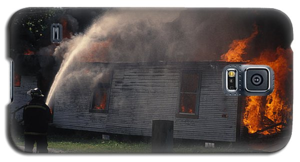 House On Fire Galaxy S5 Case by Carl Purcell