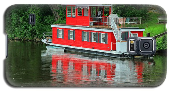 Houseboat On The Mississippi River Galaxy S5 Case by Teresa Zieba