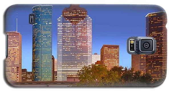 City Sunset Galaxy S5 Case - Houston Texas Skyline At Dusk by Jon Holiday