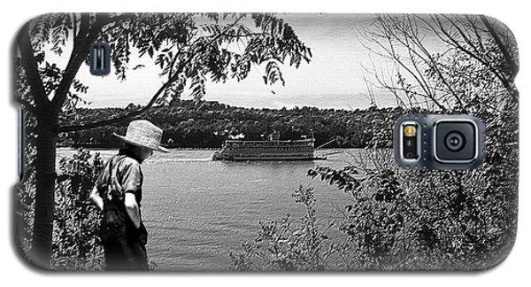 Huck Finn Type Walking On River  Galaxy S5 Case by Randall Branham