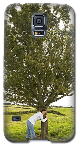 Galaxy S5 Case featuring the photograph Hugging The Fairy Tree In Ireland by Ian Middleton