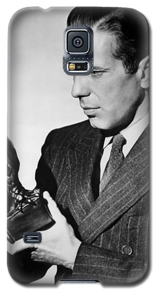 Humphrey Bogart Holding Falcon The Maltese Falcon 1941  Galaxy S5 Case