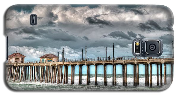 Galaxy S5 Case featuring the photograph Huntington Beach Winter 2017 by Jim Carrell