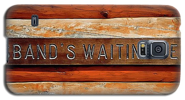 Galaxy S5 Case featuring the photograph Husband's Waiting Bench - Denali National Park by Joseph Hendrix