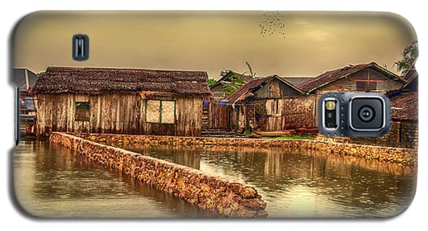 Galaxy S5 Case featuring the photograph Huts 2 by Charuhas Images