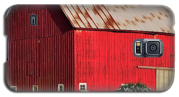 Hwy 47 Red Barn 21x21 Galaxy S5 Case by Jerry Sodorff