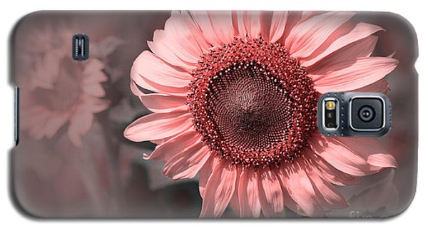 I Am Not Yellow Galaxy S5 Case by Charuhas Images