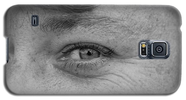 Galaxy S5 Case featuring the photograph I See You by Rob Hans