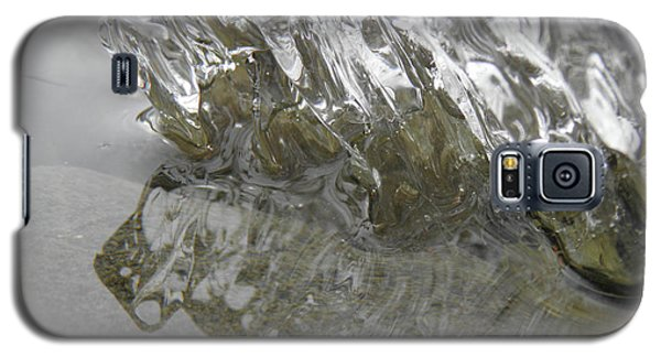 Galaxy S5 Case featuring the photograph Ice On Water 1 by Sami Tiainen