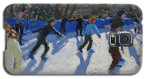 Ice Skaters At Christmas Fayre In Hyde Park  London Galaxy S5 Case by Andrew Macara