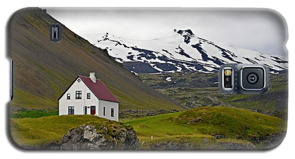Galaxy S5 Case featuring the photograph Iceland House And Glacier by Joe Bonita