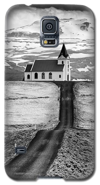 Iceland Ingjaldsholl Church And Mountains Black And White Galaxy S5 Case