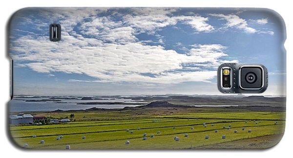 Galaxy S5 Case featuring the photograph Icelandic Panorama by Joe Bonita