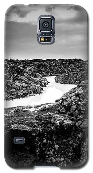 Icelandic Silica Stream In Black And White Galaxy S5 Case