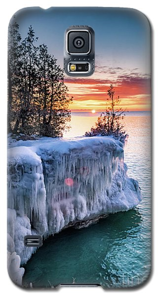 Galaxy S5 Case featuring the photograph Icicle Cliffs by Mark David Zahn