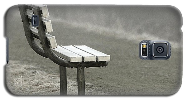 Icy Bench In The Fog Galaxy S5 Case