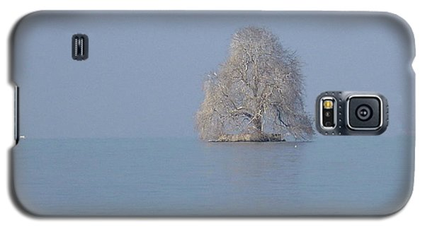 Galaxy S5 Case featuring the photograph Icy Isolation by Christin Brodie