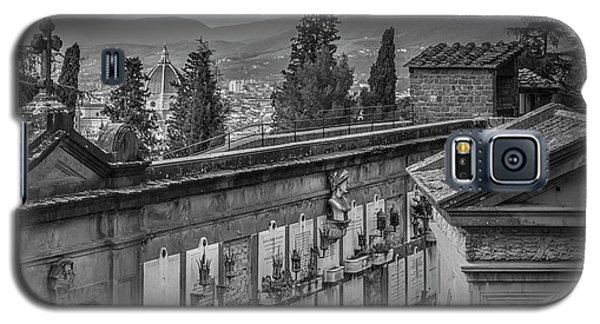 Galaxy S5 Case featuring the photograph Il Cimitero E Il Duomo by Sonny Marcyan