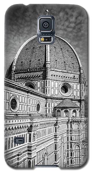 Galaxy S5 Case featuring the photograph Il Duomo Florence Italy Bw by Joan Carroll