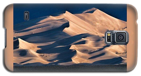 Illuminated Sand Dunes Galaxy S5 Case by Alana Thrower