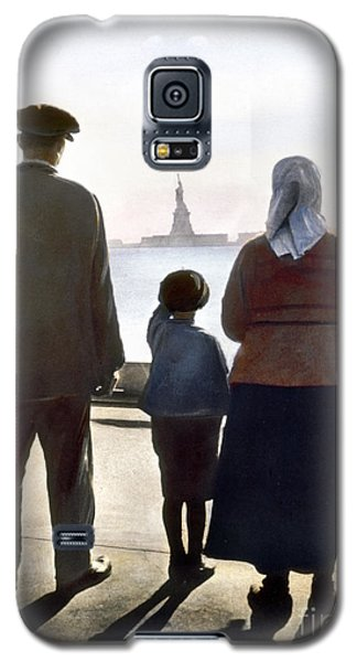Immigrants: Ellis Island Galaxy S5 Case