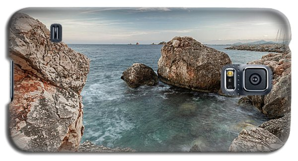In The Middle Of The Rocks Galaxy S5 Case