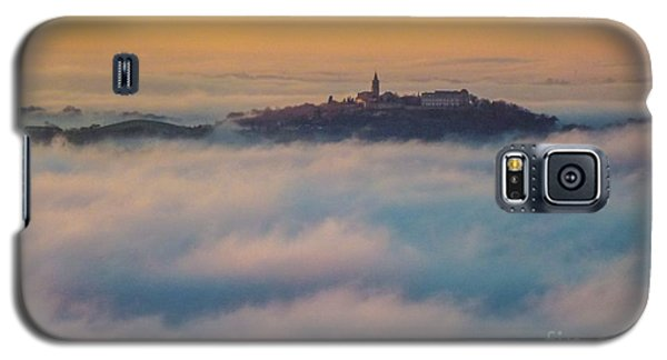 In The Mist 3 Galaxy S5 Case by Jean Bernard Roussilhe