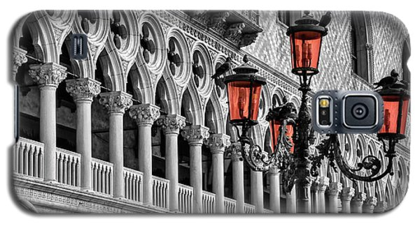 Galaxy S5 Case featuring the photograph In The Shadow Of The Doges Palace Venice by Carol Japp