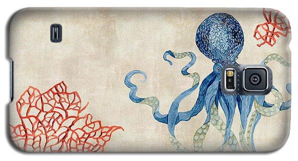 Indigo Ocean - Octopus Floating Amid Red Fan Coral Galaxy S5 Case
