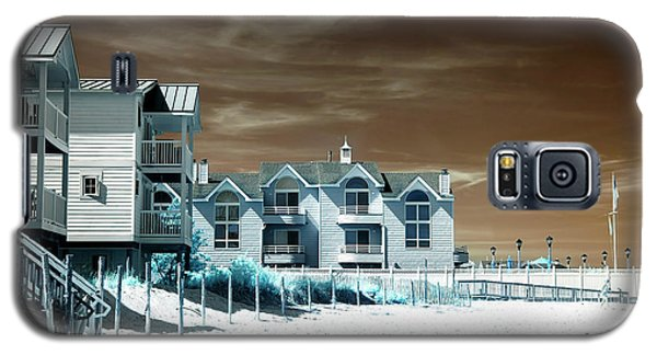 Galaxy S5 Case featuring the photograph Infrared Beach House Angles by John Rizzuto