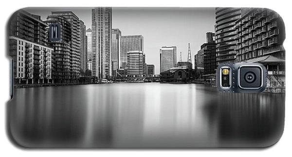 Inside Canary Wharf Galaxy S5 Case by Ivo Kerssemakers