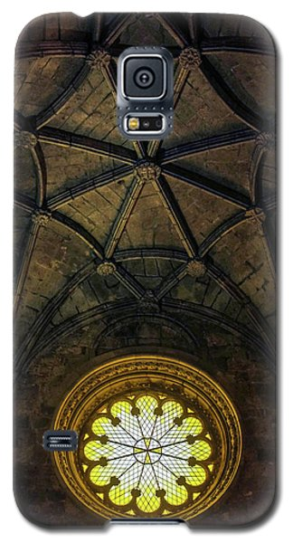 Galaxy S5 Case featuring the photograph Inside Jeronimos by Carlos Caetano