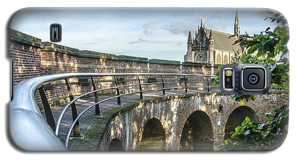 Inside The Leiden Citadel Galaxy S5 Case