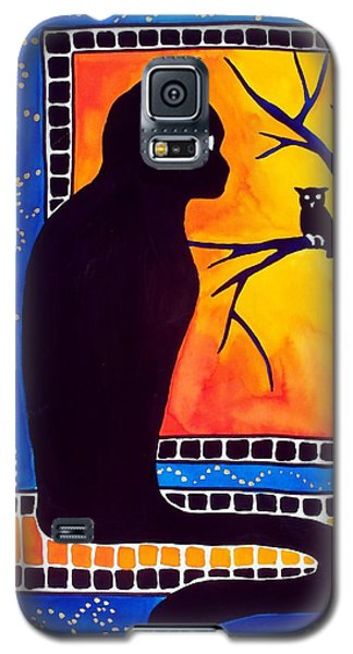 Galaxy S5 Case featuring the painting Insomnia - Cat And Owl Art By Dora Hathazi Mendes by Dora Hathazi Mendes