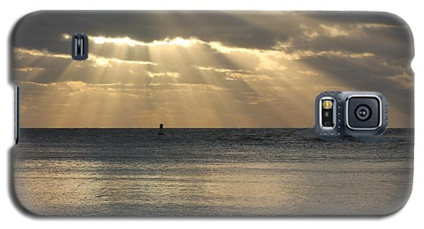 Into Dawn's Early Rays Galaxy S5 Case