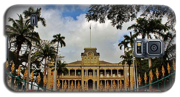 Galaxy S5 Case featuring the photograph Iolani Palace Reopens by Craig Wood