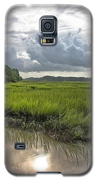 Galaxy S5 Case featuring the photograph Island by Margaret Palmer