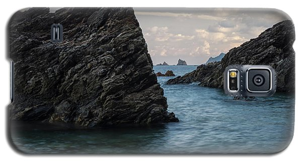 Islets At The Bottom Of The Rocks Galaxy S5 Case