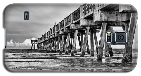 Jacksonville Beach Pier In Black And White Galaxy S5 Case
