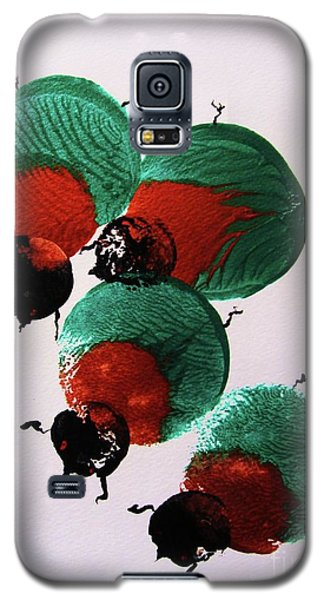Galaxy S5 Case featuring the painting Japanese Beetles by Roberto Prusso