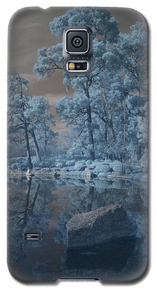 Galaxy S5 Case featuring the photograph Japanese Tea Garden Infrared Center by Joshua House
