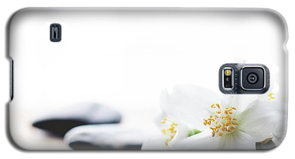 Jasmine Flower On Spa Stones Galaxy S5 Case