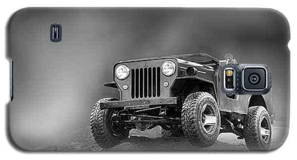 Galaxy S5 Case featuring the photograph Jeep Bw by Charuhas Images