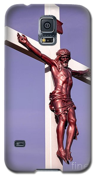 Galaxy S5 Case featuring the photograph Jesus Crucifix Against The Sky 2 by Gary Whitton