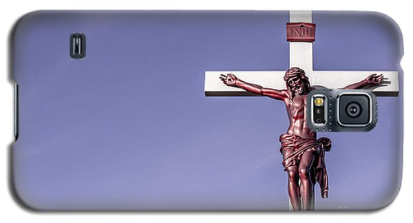Galaxy S5 Case featuring the photograph Jesus Crucifix Against The Sky by Gary Whitton